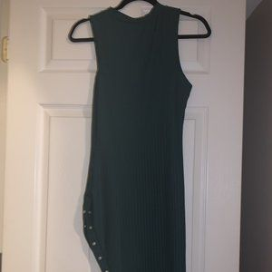 TV PRODUCER selling Hunter Green ribbed midi dress